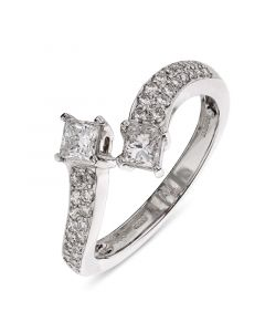 18ct white gold double princess cut diamond twist engagement ring with diamond shoulders. 0.42cts