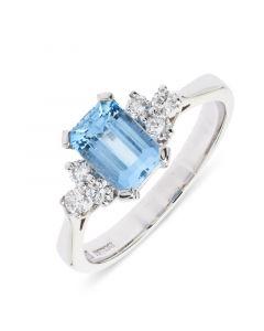 18ct white gold emerald cut aqua with diamond side stones